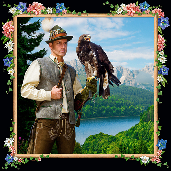 Photokunst The Falconer aus der Werkreihe Heimatliebe