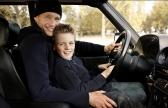 Familienportait von Vater und Sohn ©Sarosdy